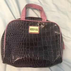 Kenneth Cole travel toiletry bag